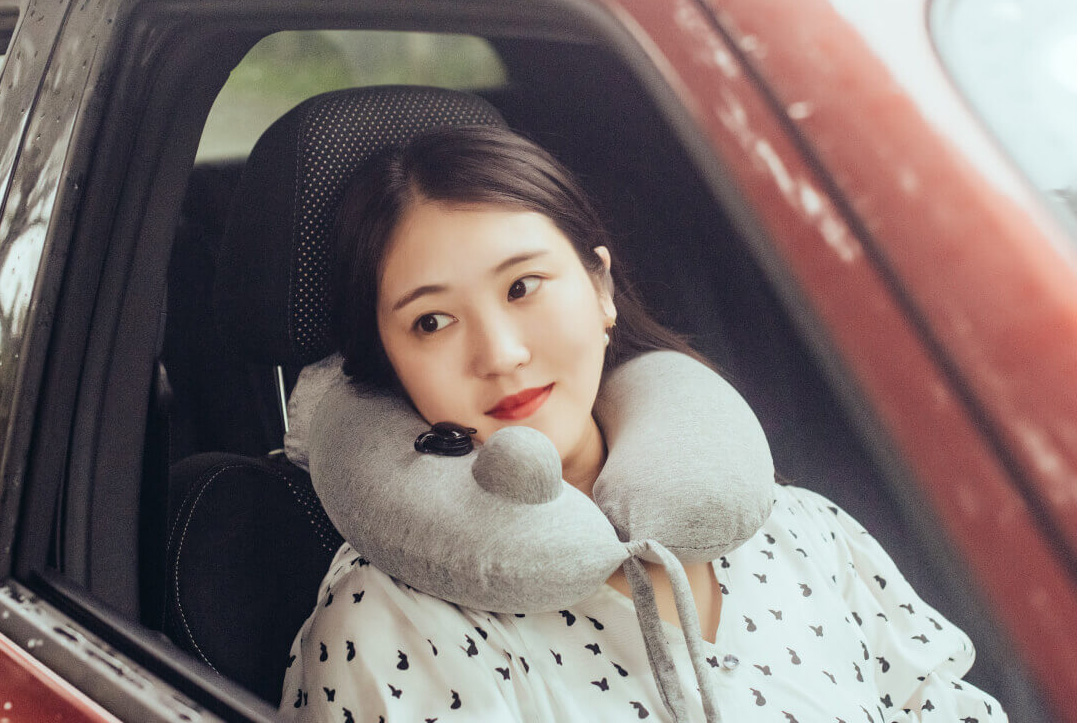 Xiaomi Ardor Inflatable Neck Pillow With Hoodie